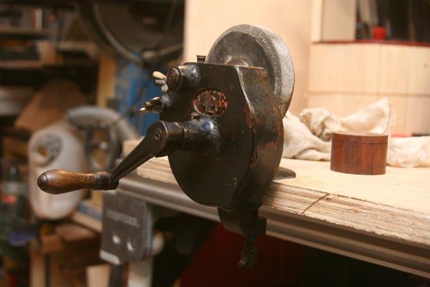 vintage bench grinder 2